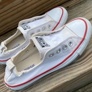 Converse CTAS white slip ons size 7 run small